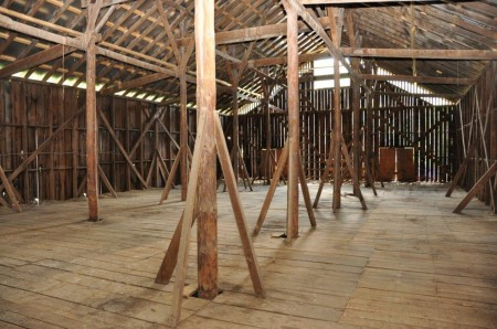 Dunlap Crossing Big Barn  (2)