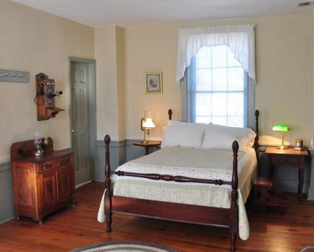 1820-historic-home-tour-039