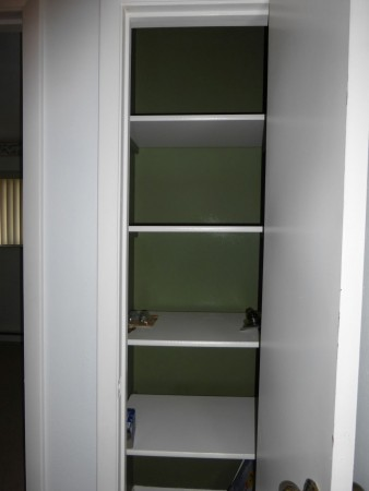 25-upstairs landing storage