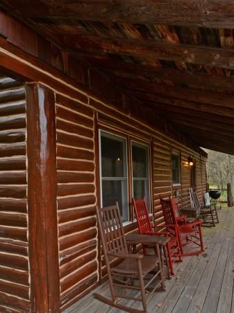 falling-water-cabin-tour-004