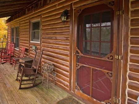 falling-water-cabin-tour-005