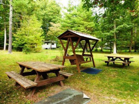 Lou's Retreat at Moncove Lake 004