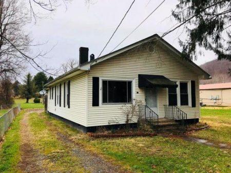 Hiser House 001