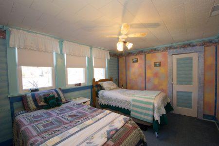 Calico River House 064